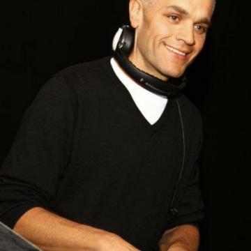 Härlig Fredag! Kvällens musik presenteras av DJ Bumbi